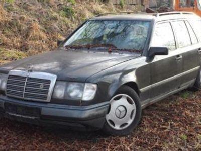 gebraucht Mercedes 230 TE fahrbereit, abgemeldet Neukauf + abgelaufenen TÜV