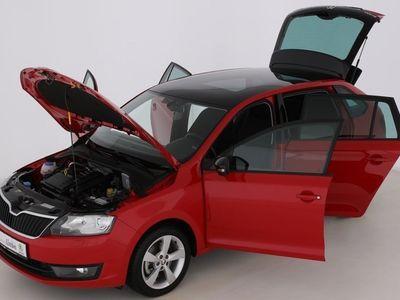 gebraucht Skoda Rapid SPACEBACK STYLEPLUS XENON|PDC | Gebrauchtwagen | Limousine | EIL513948