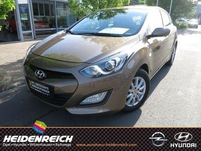 used Hyundai i30 Navi CD Seitenairb. BC NSW ABS Servo ZV eFH Beif.