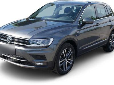 gebraucht VW Tiguan Tiguan2.0 TSI DSG 4MOTION HIGHLINE * AHK * BUSINESS-PREMIUM-PAKET * 19 ZOLL * PARK ASSIST * KEYLESS ACCESS