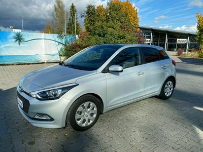 gebraucht Hyundai i20 1.1 CRDi Style / EURO-6 / TÜV-AU bis 08.2023