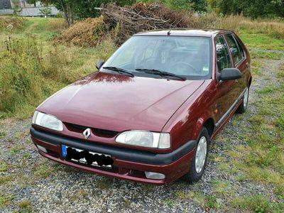 gebraucht Renault 19 RGTS als Limousine in Marktredwitz