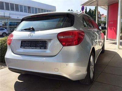 gebraucht Mercedes A180 (BlueEFFICIENCY) 7G-DCT - Navi - Sitzheizung