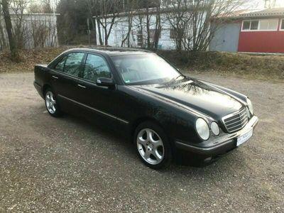 gebraucht Mercedes E430 4-Matic E -Klasse Lim. (BM 210) *Toller Zustand*
