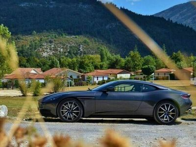 gebraucht Aston Martin DB11 V12 Auto Coupe als Sportwagen/Coupé in München