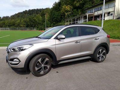 gebraucht Hyundai Tucson 1.6 GDi 4WD Premium 2 Jahre Garantie