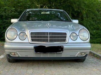 gebraucht Mercedes E220 Mercedes BenzClassic Klima