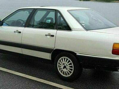 gebraucht Audi 100 C 3 - Typ 44 - 5 Zylinder - 2.3 -... als Limousine in Escheburg