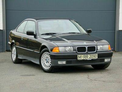 gebraucht BMW 318 is Coupé | 2. Hand | M-Fahrwerk | TÜV 12.2022 als Sportwagen/Coupé in Alzenau