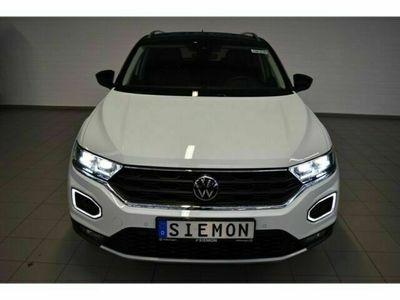 gebraucht VW T-Roc United 1.5 TSI ACT EU6d LED Navi Dyn. Kurvenlicht ACC Rückfahrkam. El. Heckklappe
