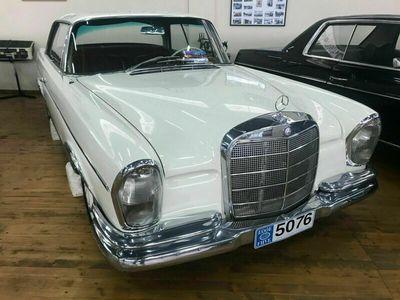 gebraucht Mercedes 300 SE Coupe Automatik Schiebedach Luftfahrwerk als Sportwagen/Coupé in Pförring