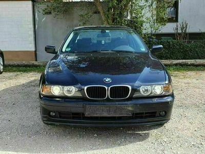 gebraucht BMW 525 i MetallicBlau