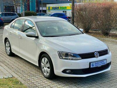 gebraucht VW Jetta VI Trendline BMT*1.Hand*erst 53'Km*PDC*