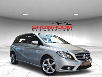 gebraucht Mercedes B200 + Schalt+ Sportpaket + 80 Tkm! + Asisstent