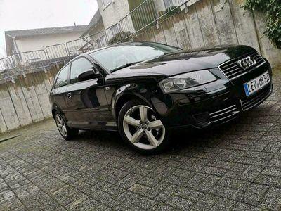 gebraucht Audi A3 8p als Sportwagen/Coupé in Leverkusen