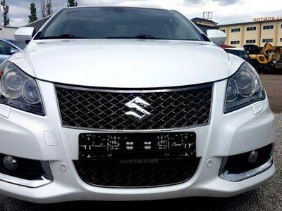 gebraucht Suzuki Kizashi 2.4 SPORT CVT Allrad+Xenon+Sitzh.+Leder+