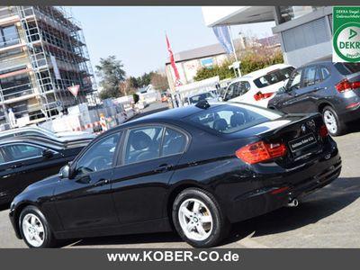 gebraucht BMW 318 d KLIMAAUTOMATIK+SITZHEIZUNG+PDC+BLUETOOTH