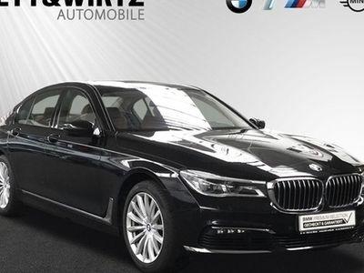 gebraucht BMW 750 i xDrive SAG Glasdach Standhzg LED Navi