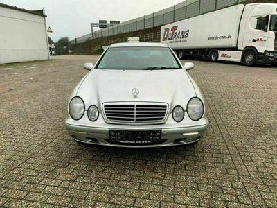 gebraucht Mercedes CLK200 - Benzin - Autmatik