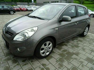 gebraucht Hyundai i20 1.2 UEFA EURO 2012 Edition. AUS 1. HAND