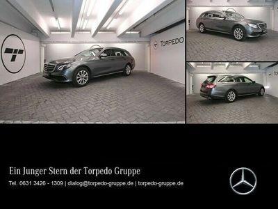 gebraucht Mercedes E220 T EXCLUSIVE NAVI+COMAND+LED+PANO+KAMERA+