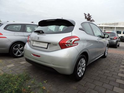 gebraucht Peugeot 208 Active BlueHDi 100 Stop & Start KLIMA NAVI