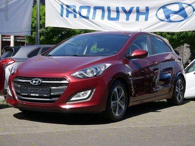 gebraucht Hyundai i30 1.6 GDi Trend FSE USB KLIMA PDC SHZ EURO6