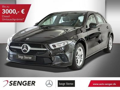 używany Mercedes A200 STYLE+AUTOMATIK+NAVI+KAMERA+PARK-PAKET+LED
