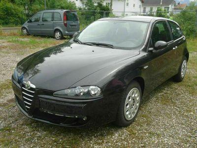 gebraucht Alfa Romeo 147 Alfa1.6 16V Klima/ 1. Hand/ 85000km