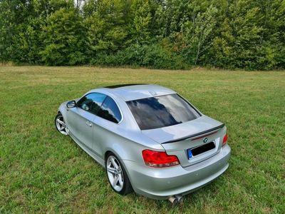 gebraucht BMW 123 Coupé d Coupe Aut./Standhzg/Sportfwrk/Dachbox/240PS als Sportwagen/ in Schleiden