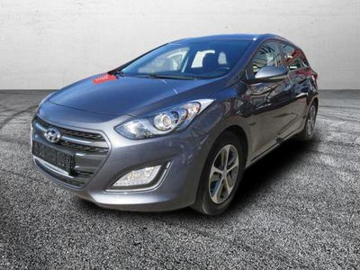 gebraucht Hyundai i30 i30 Kombiblue Kombi 1.6 CRDi YES! Gold