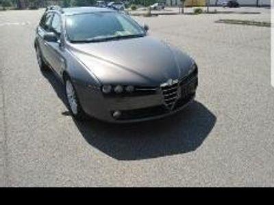 gebraucht Alfa Romeo 159 Sportwagon 2.4 JTDM 20V DPF Distinctive
