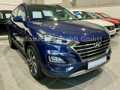 gebraucht Hyundai Tucson 1.6 T-GDi DCT 4WD Start Plus++PANO+NAVI++
