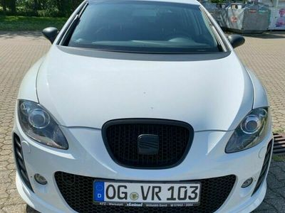 gebraucht Seat Leon 1.8T Sportauspuff, KW Federn, 19z Alu