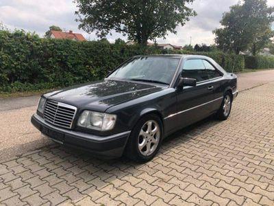 używany Mercedes 220 CE