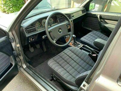 gebraucht Mercedes 190 Mercedes w2011.8