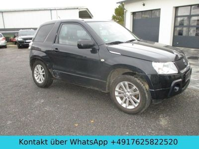 gebraucht Suzuki Grand Vitara 1.6 Black and White