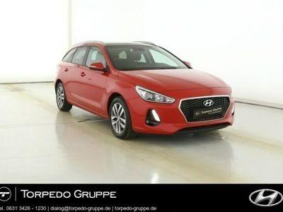 gebraucht Hyundai i30 NEW KOMBI 1.4 TURBO FAMILY PLUS PANORAMADACH