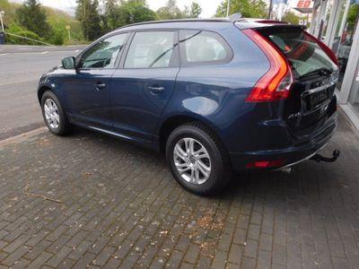 gebraucht Volvo XC60 D3 Kinetic *NAVI*Panorama*AHK*