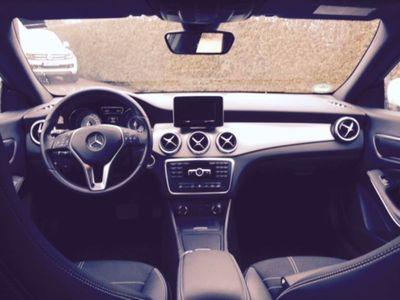 gebraucht Mercedes CLA200 7G-DCT mit Standheizung