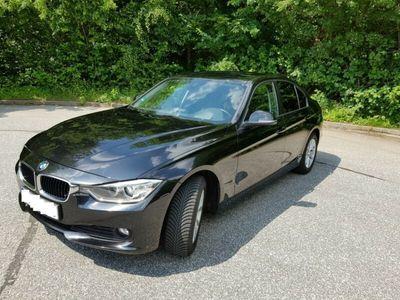 gebraucht BMW 320 d Aut. HU 06/2021, Reifen neuw. / Service neu