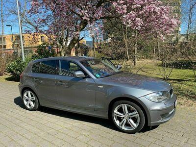 gebraucht BMW 123 d (Automatic Getriebe Steptronic) als Limousine in Düsseldorf