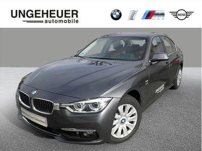gebraucht BMW 318 d xDrive Limousine Luxury Line
