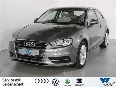 gebraucht Audi A3 Ambiente 1.6 TDI LEDER/ NAVI/ EINPARKHILFE