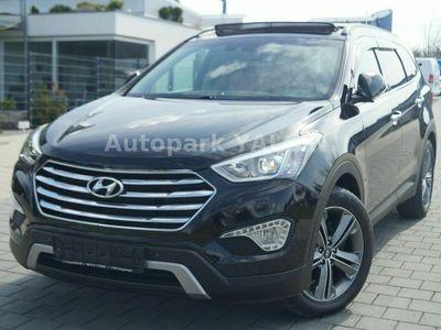 gebraucht Hyundai Grand Santa Fe 2.2CRDi 4WD PANO*NAVI*LED*7-SITZE als SUV/Geländewagen/Pickup in Holzgerlingen