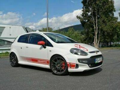 gebraucht Abarth Punto Evo *1.4l Turbo*Gtech*8-fach bereift als Sportwagen/Coupé in Miltenberg
