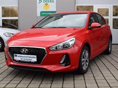 gebraucht Hyundai i30 1.6 CRDi 7-DCT Trend Klima SHZ LMF