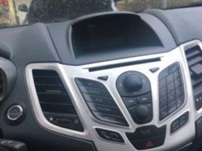 gebraucht Ford Fiesta 1.4 Titanium