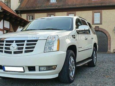 gebraucht Cadillac Escalade 6.2 V8 4x4 Sport Luxury Scheckheftgepfl als SUV/Geländewagen/Pickup in Fulda OT Petersberg