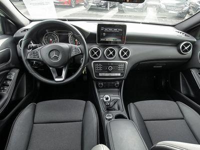 gebraucht Mercedes A180 A-KlasseLimousine Park-Assist